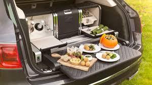 Bagasi Mobil, Disulap Tempat Ayam Panggang