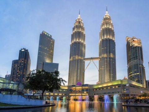 5 Fakta Menarik Seputar Menara Kembar Petronas, Destinasi yang Ikonik!