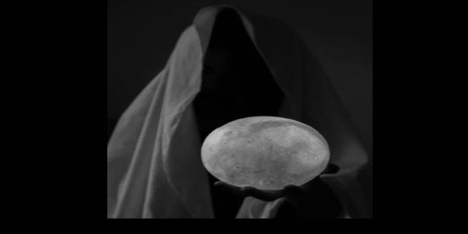 Cerpen Misteri: Peramal